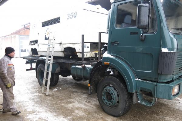 104-bodo-vozila-zdrzala-v-ekstremnih-pogojih-na-juznem-robu-sahare690AC39D-983E-77A8-2654-C9C40C5FC7AA.jpg