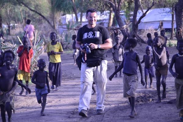 106bb-klemen-v-begunskem-taboriscu-doro-maban-juzni-sudan-maj-2012657095CF-EBBD-0C75-CAED-B444FF8BA2F8.jpg