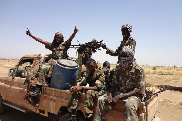 84-napadalci-pa-so-pripravljali-na-nove-napade-sudanska-vladna-vojska-januar-2011BE27FD9A-E408-1DB2-A7F2-B1472A5F242D.jpg