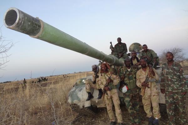 87-sudanski-vladni-vojaki-z-tezko-artilerijo-prednost-le-te-je-da-ubija-na-dalec02E89ABC-2489-41BA-449E-0CC92AEF6FC7.jpg