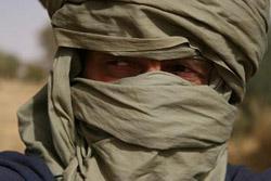 Tomo, tik predno so ga odpeljali z osvobojenega ozemlja nazaj v Čad, blizu Bahaii, sobota, 11. 3. 06