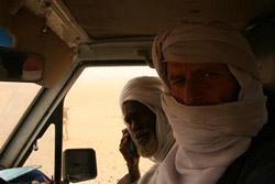 Suleiman Jammous in Tomo med vračanjem na pogovore z Minnijevimi